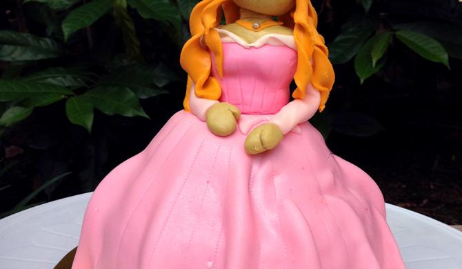 Princes Aurora Sleeping Beauty Cake