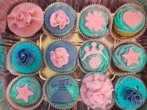 princess topper  cupcakes