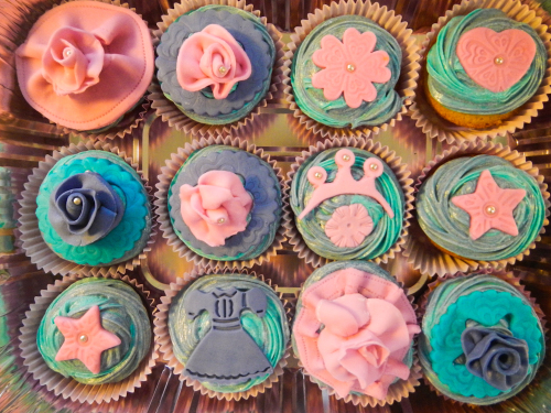 princess topper  cupcakes